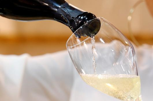 Prosecco Vs. Champagne: Is There A Battle Of The Bubblies? photo