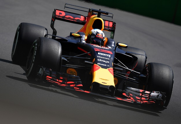 #azerbaijangp: Daniel Ricciardo Wins In Baku For Red Bull photo