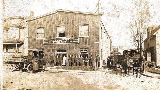Coke's Love Affair With Canada Started In '30s photo