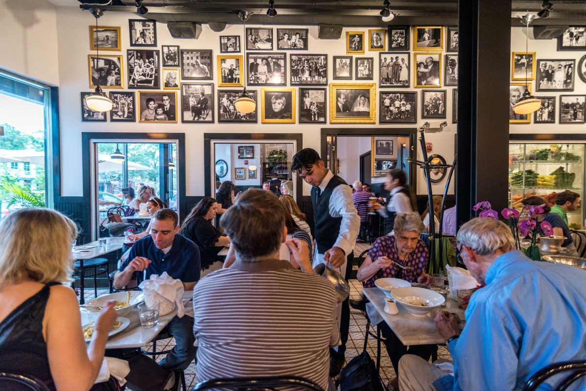 Why I Loathe The Latest Restaurant Trend Of No Space Between Tables photo