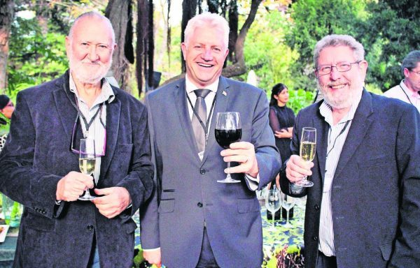 woo cape town launch e1496830064418 New Wine of Origin Cape Town Flies Flag for South African Wine Industry