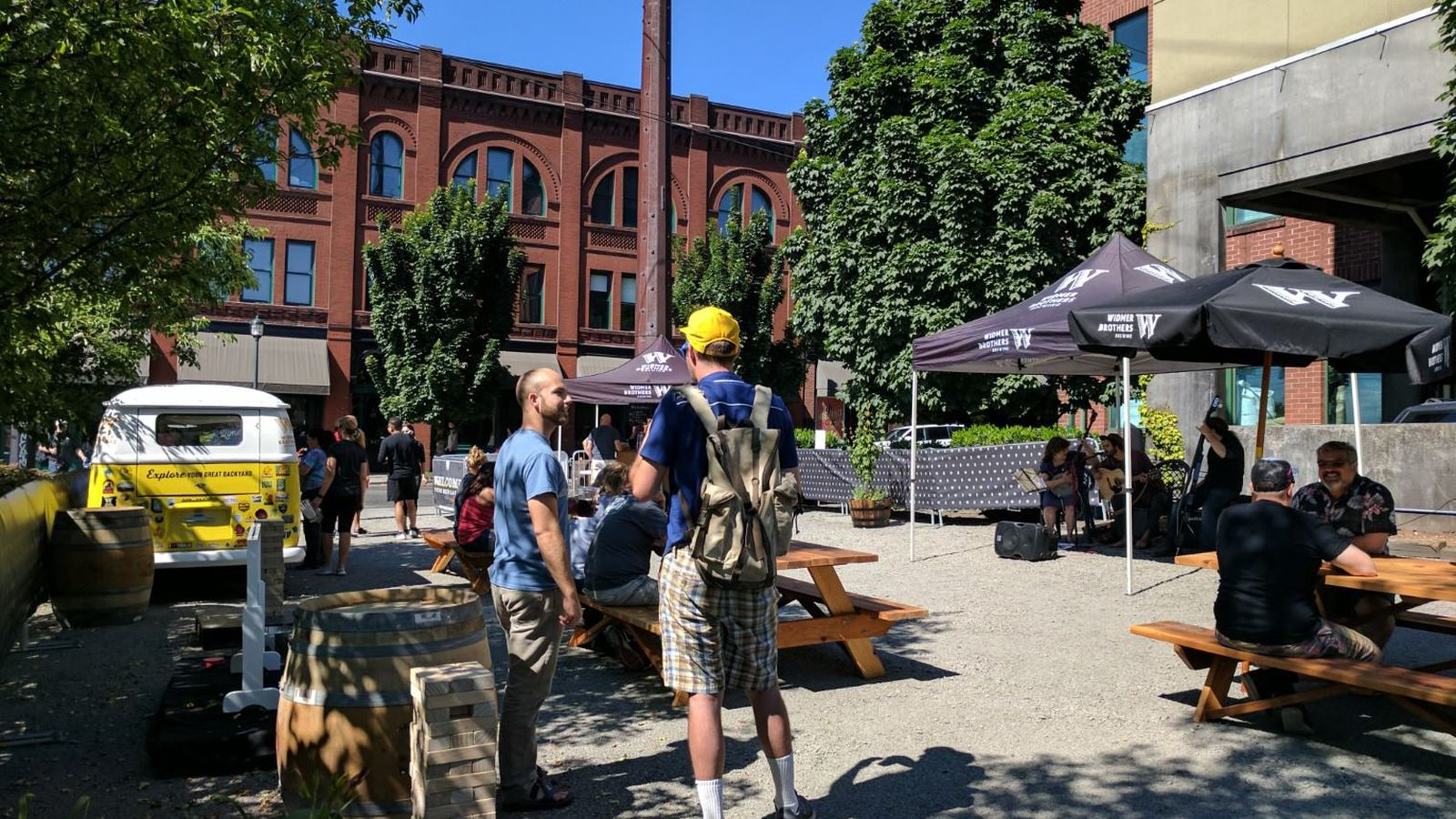 Widmer Brothers Brewing Unveils Pop-up Beer Garden For Summer 2017 photo