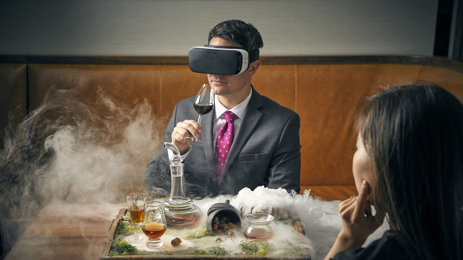 Chicago Restaurant Launches $95 Virtual Reality Scotch Cocktail Using Oculus Headset photo