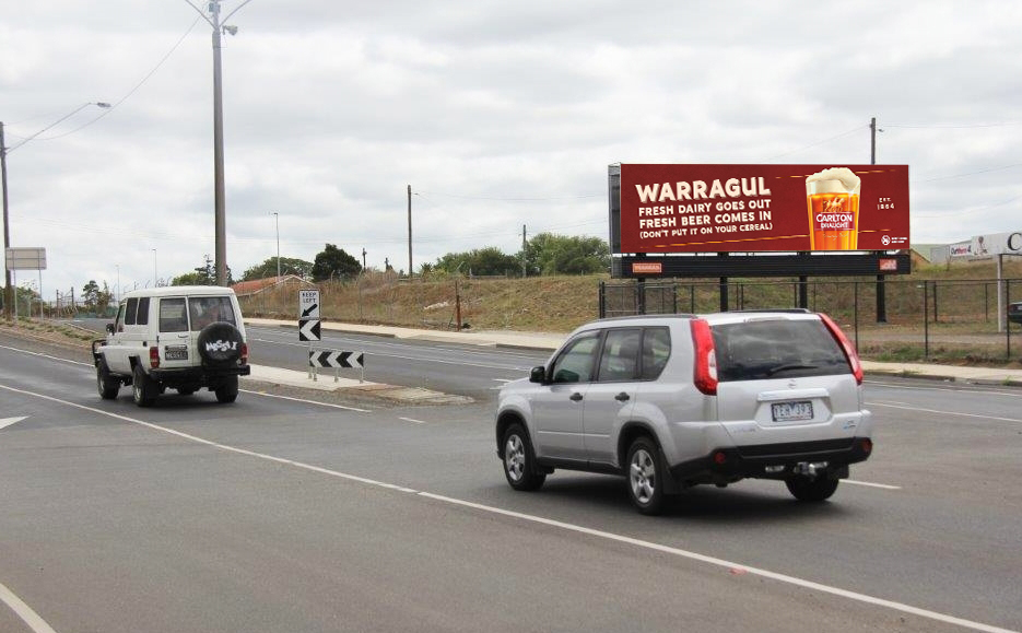 Carlton Draught Plays Favourites With Iconic Regional Cities Via Ooh!media photo