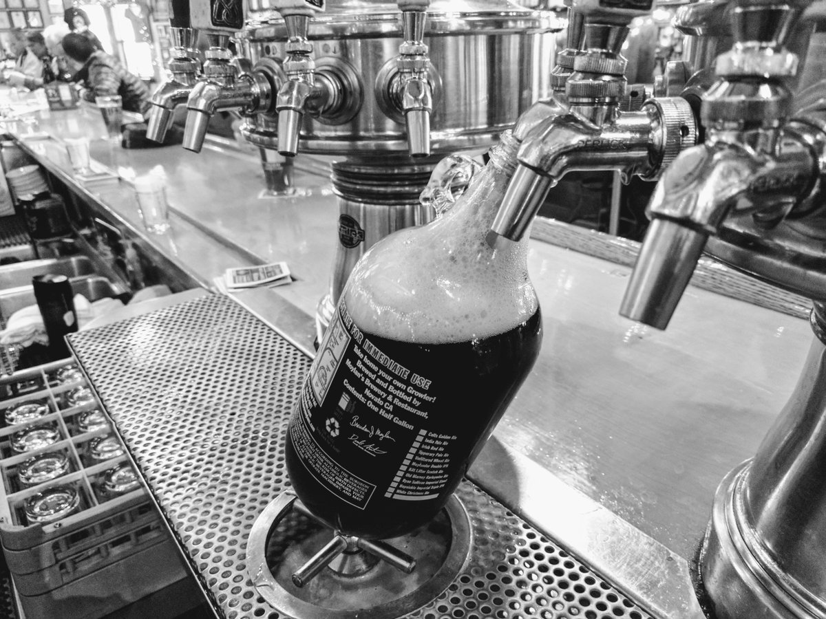 Where to fill-up your Growler in Cape Town photo
