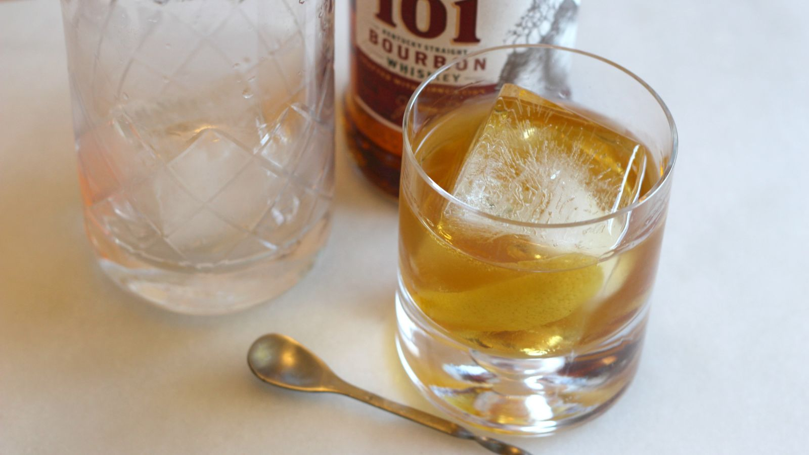 3-ingredient Happy Hour: The Cold And Stiff High Sparrow photo
