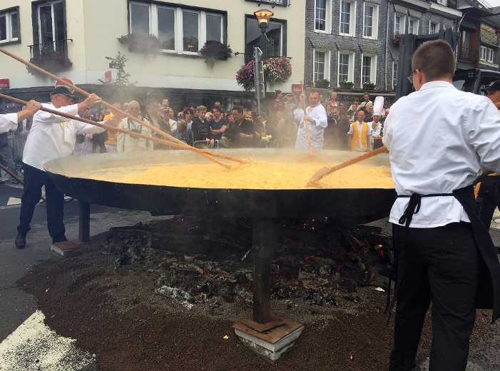 Giant Omelette Made With 10,000 Eggs Served At Belgium Festival photo