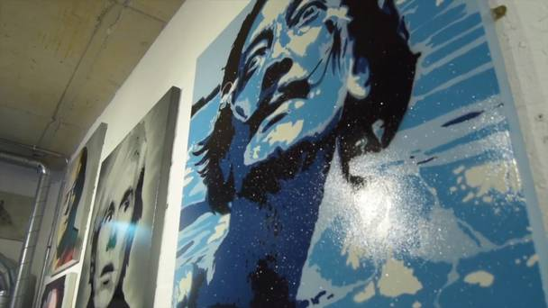 Video: Belfast Street Artist Visual Waste Hosts His First Art Exhibition photo