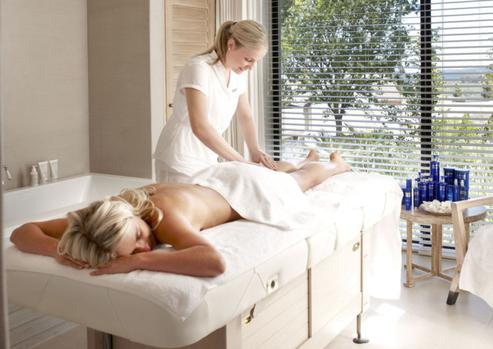 Pamper Yourself In A Superb Setting photo