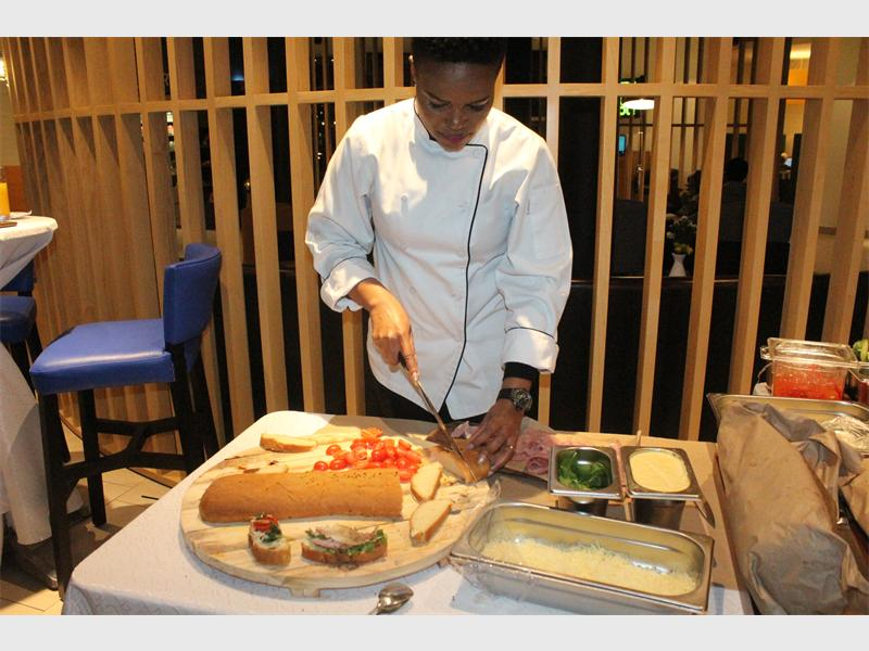 [watch] Moloi Prepared A Delicious Snack For Guests At Park Inn's Cocktail Party photo