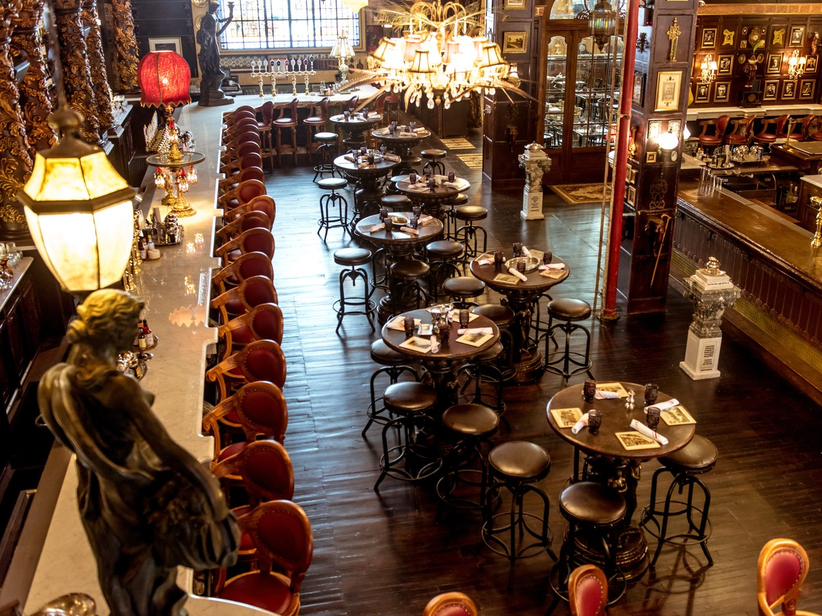 Drink Like Oscar Wilde At This New Nyc Bar photo