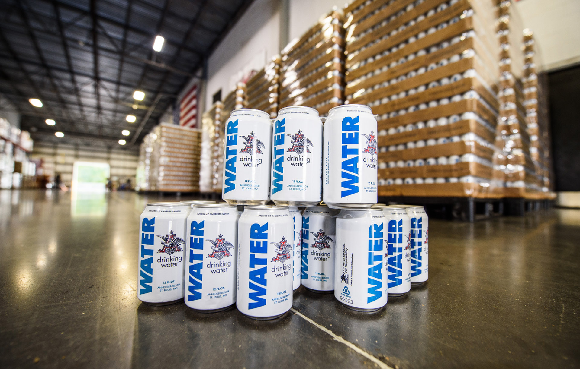 Anheuser-busch Halts Beer Production And Sends Water To Hurricane Harvey Victims photo