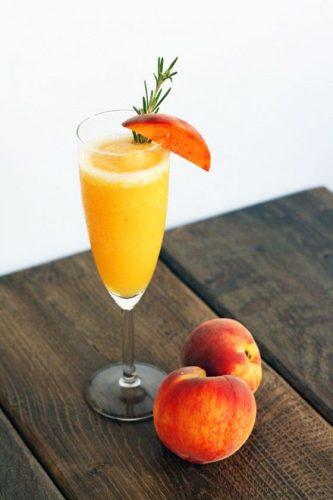 peach bellini e1501734001639 Princess Diana`s most beloved drink