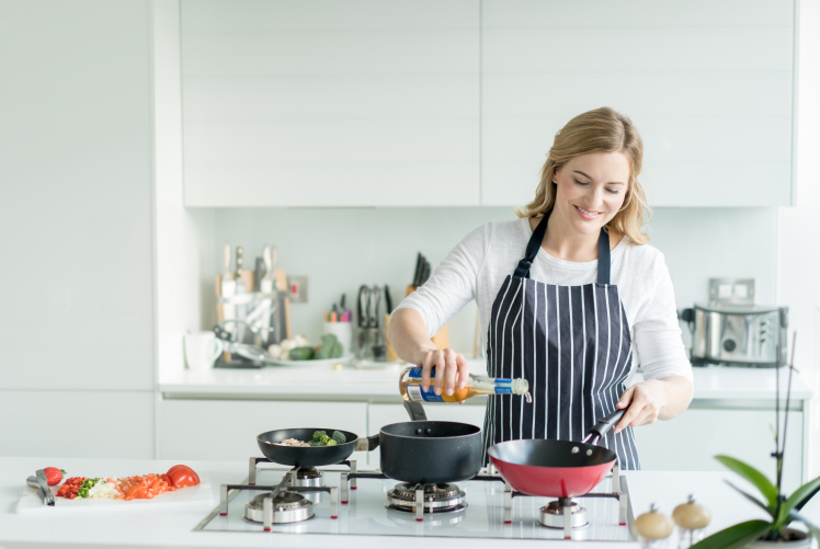 One In Eight Brits Don't Cook For Themselves photo