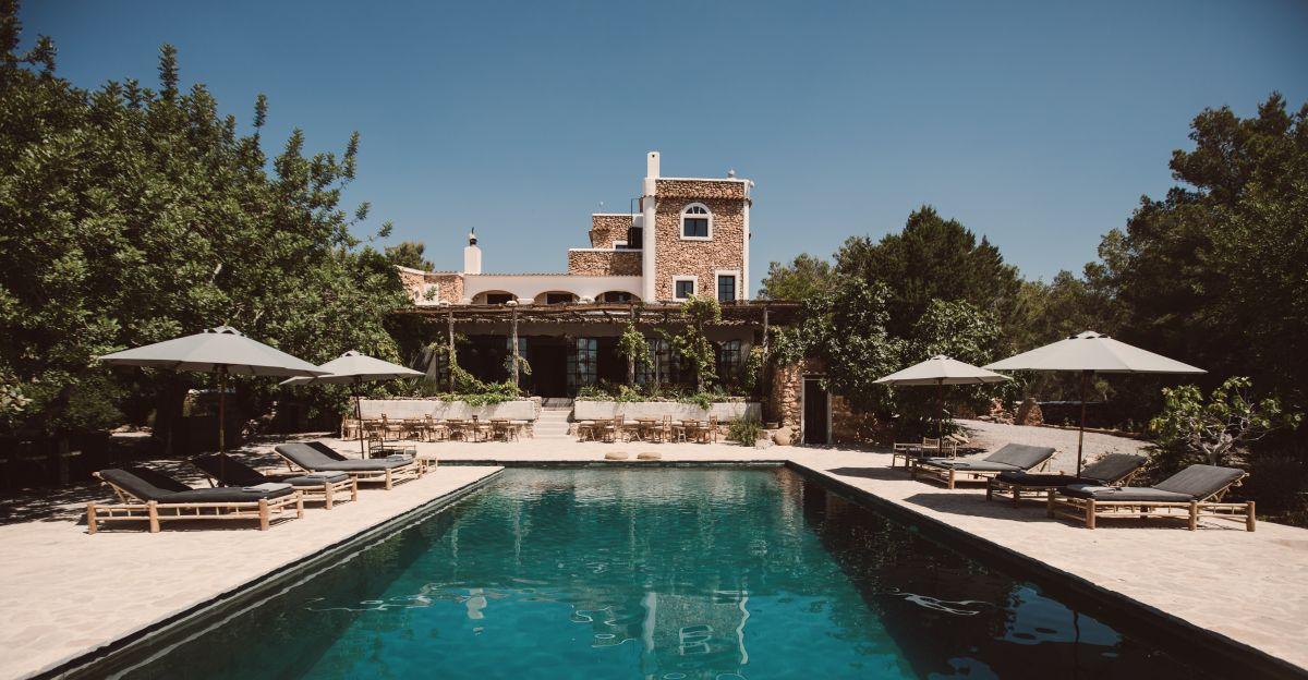 5 Rustic But Ritzy Retreats For Fall—that Aren?t Soho Farmhouse photo