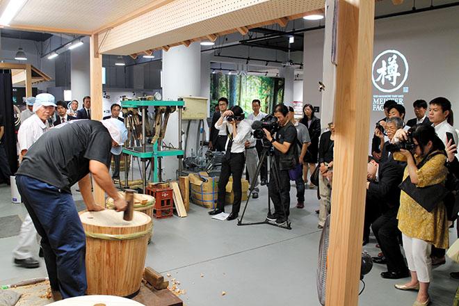 Kansai Sake Brewers Revamp Operations For Overseas Tourists?the Asahi Shimbun photo
