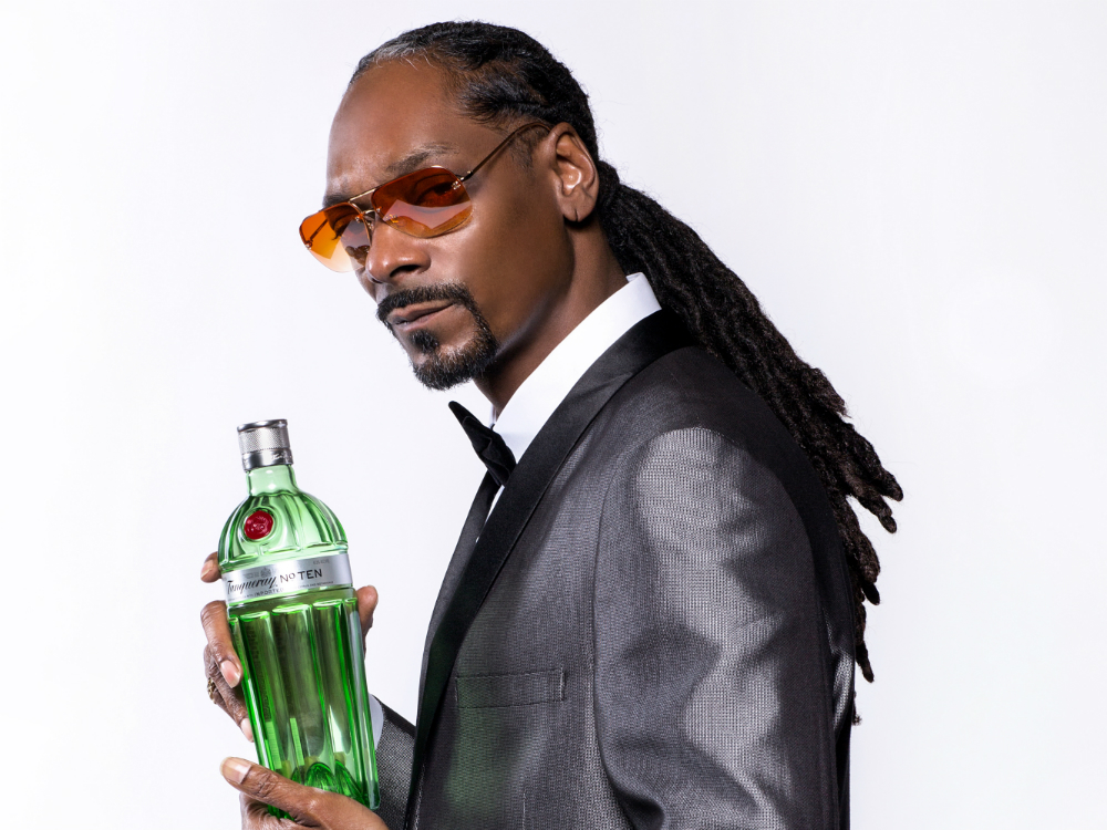Here's What Cocktails Snoop Dogg Makes At Home photo