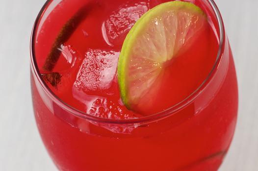 How To Make A Rhubard Rickey Cocktail photo