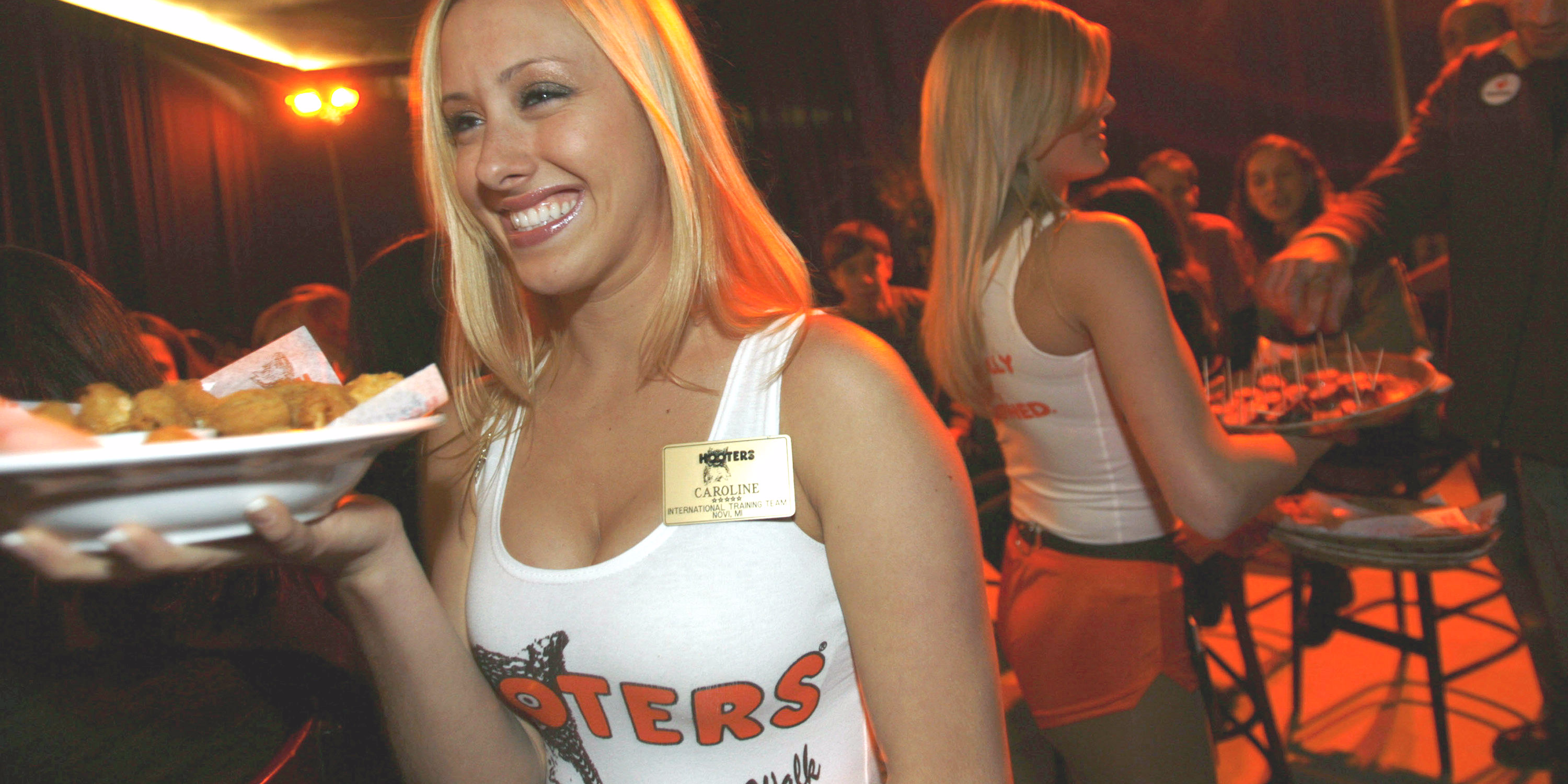 Millennials Have A New Attitude About Cleavage That's Forcing 'breastaurant' Hooters To Close Locations And Change Its Strategy photo
