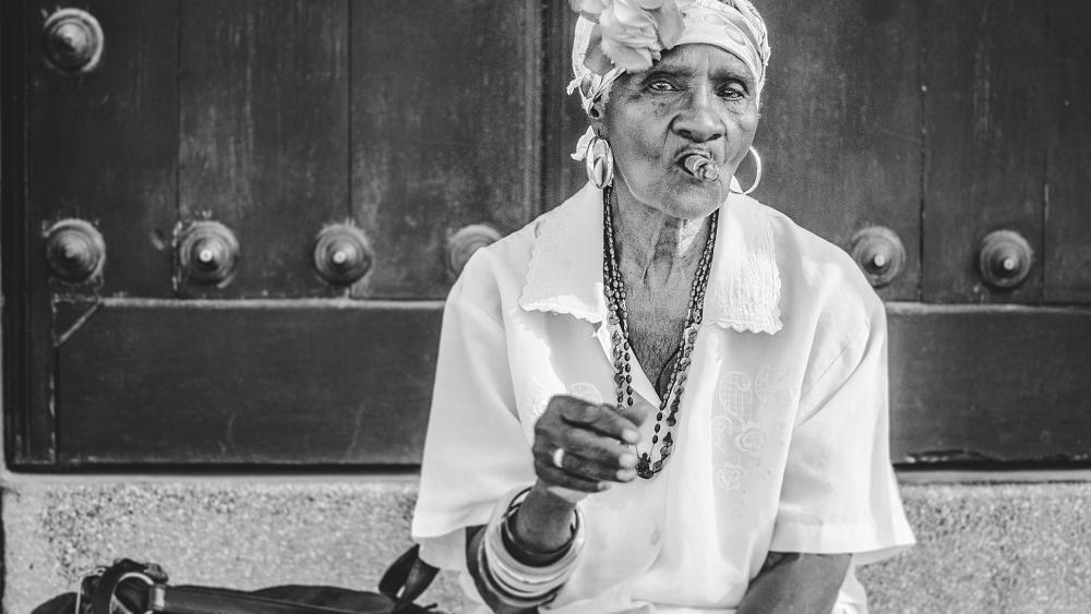 Experience Cuban 'sobremesa' photo