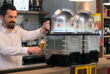 Heineken Launches Nespresso-style Draught Beer Platform Blade photo