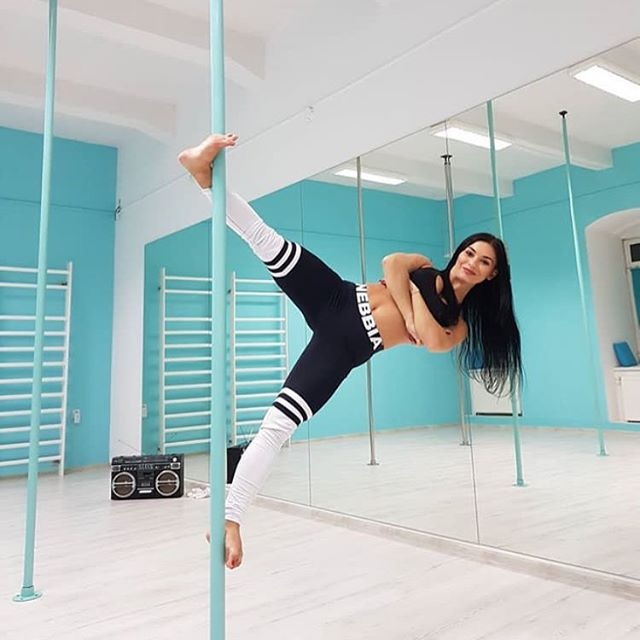 Pole Dancing Might Be About To Become An Olympic Sport photo