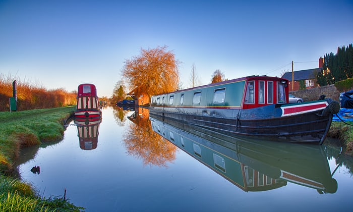 Top 10 Waterside Places To Enjoy In Autumn photo
