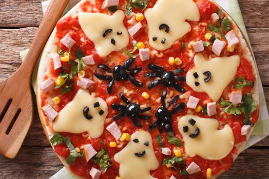 #halloweenrecipe: Casper The Friendly Pizza photo