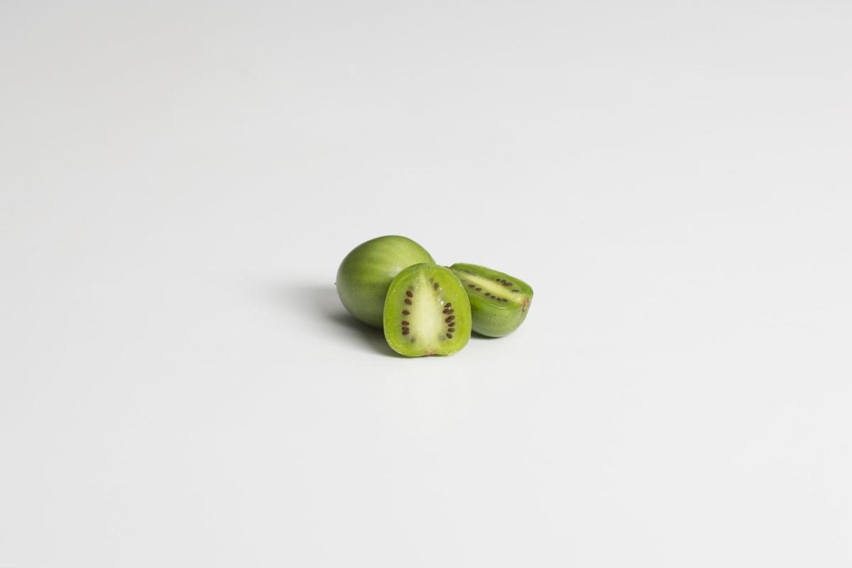 Fresh Bites: Nergi Kiwiberries A Healthy Snack High In Vitamin C photo
