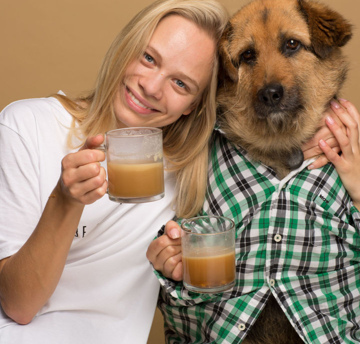 "Woman invents coffee for dogs and calls it ""Rooffee"" photo"