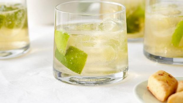 Why Port & Tonic Is The Perfect Sun-soothing Tipple photo