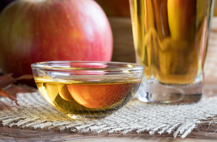 How much apple cider vinegar should you have in a day to shed pounds fast? photo