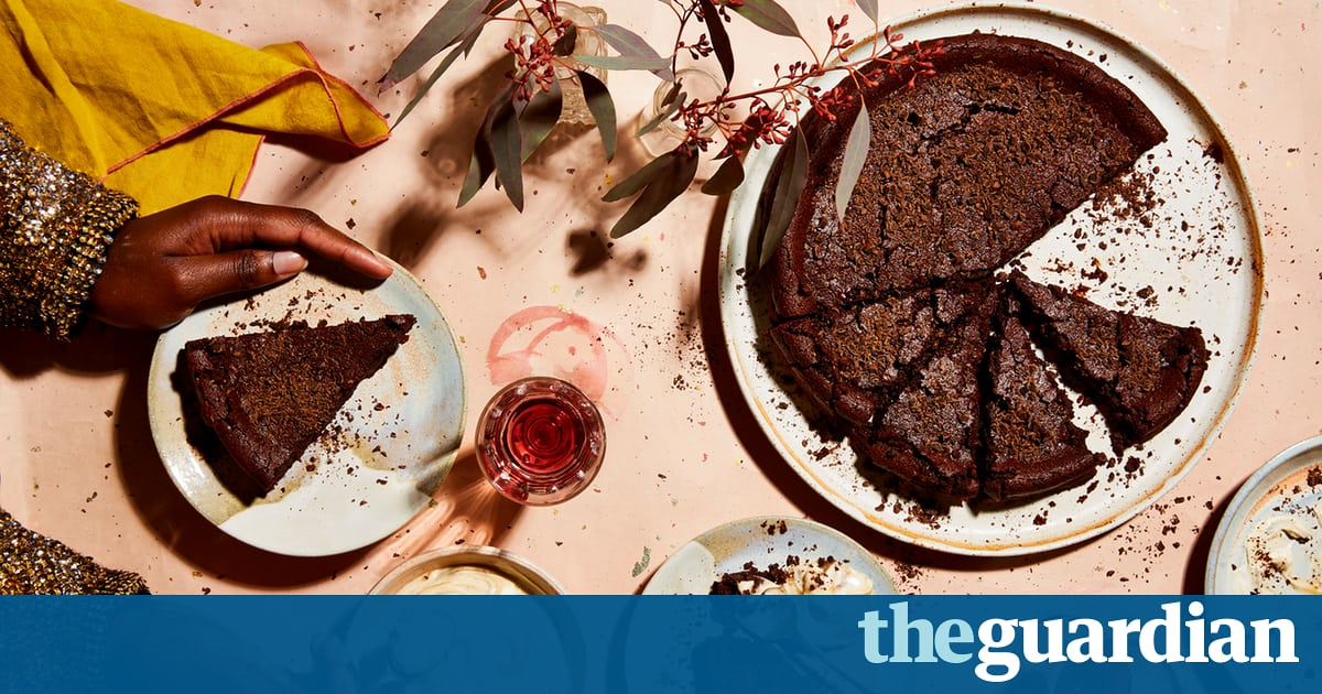 Have Your Cake And Eat It: Thomasina Miers' Recipes For Christmas Baking photo