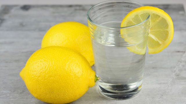 3 Reasons to Start Your Day with Warm Lemon Water photo