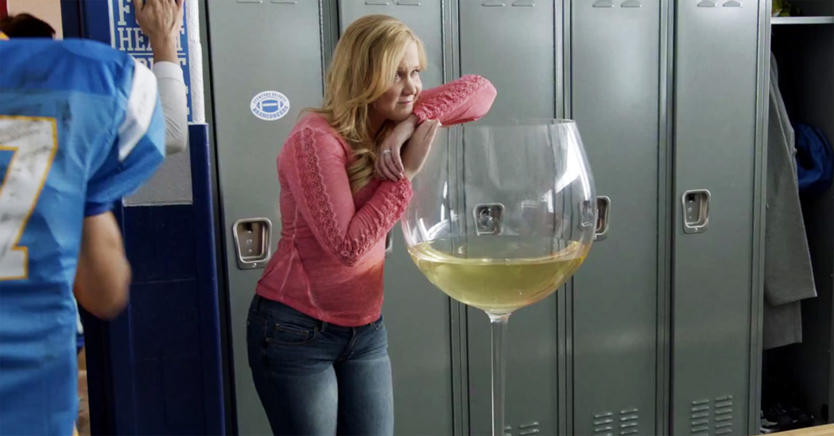 Science Says Wine Glasses Are 7 Times Bigger Than They Used To Be photo