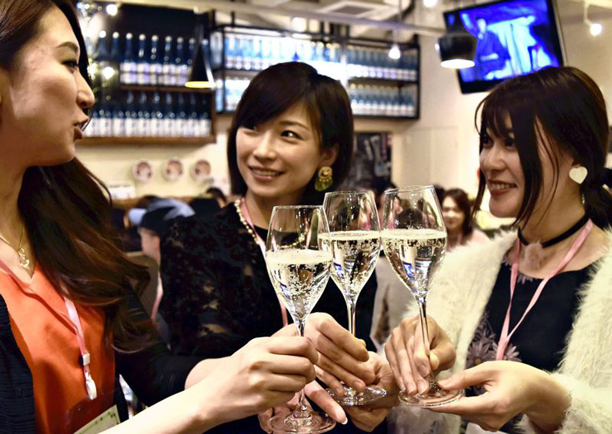 Sparkling Sake Vies To Become Toast Of Choice, photo