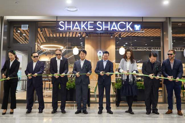 Shake Shack Opens World's Largest Airport Branch In Incheon, photo