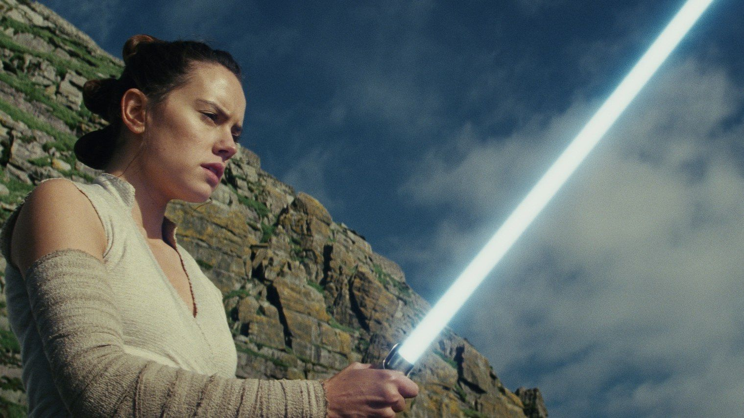Star Wars: The Last Jedi Is A Worthy Follow Up photo