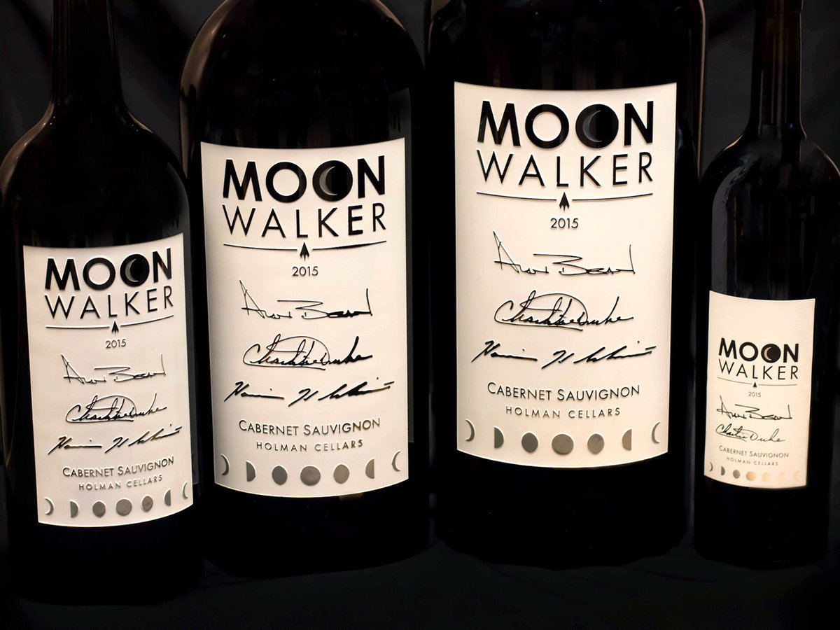 'moonwalker' Wine Is A Drinkable Tribute To The Apollo Moon Missions photo