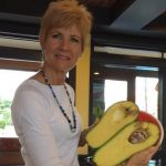 The World`s Heaviest Avocado Weighs In At 2.37 kg photo