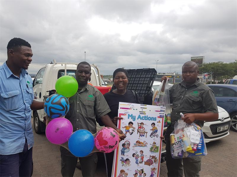 Fourways Gardens Lends A Helping Hand photo