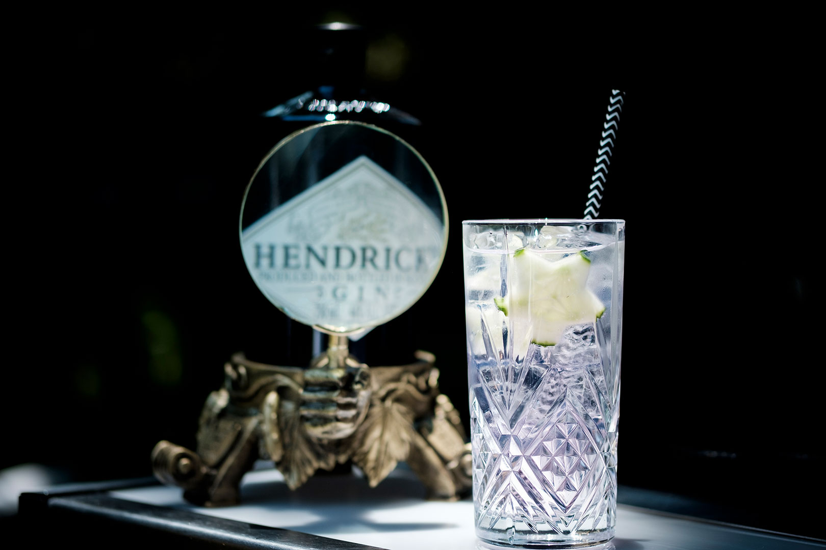 How To Make Your Own Gin And Tonic Cocktail photo