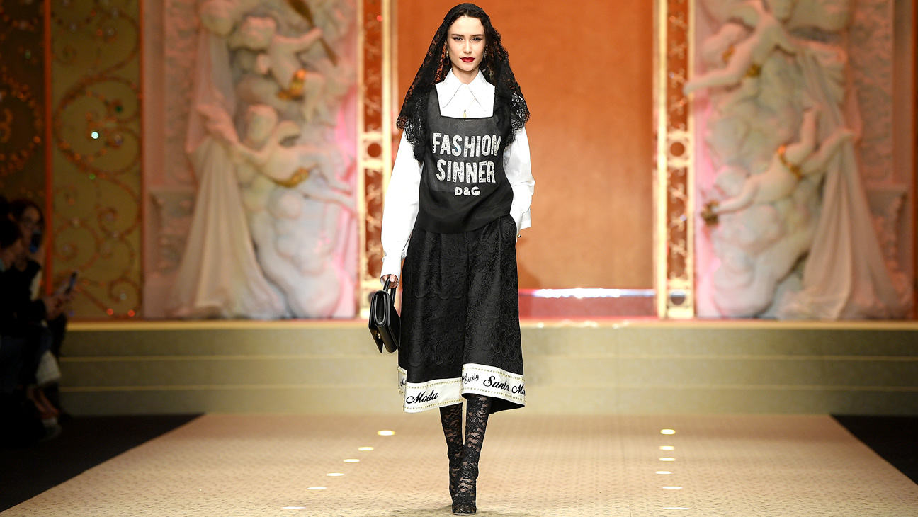 Milan Fashion Week Finale: Drone Models At Dolce And Gabbana, Gigi And Tommy On A Speedway photo