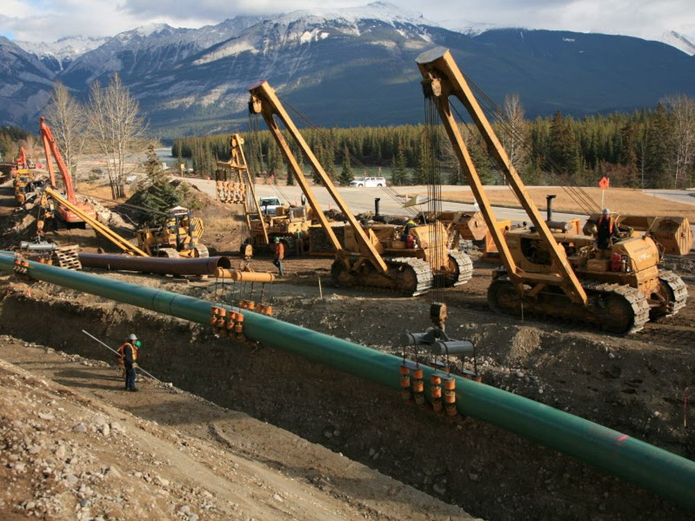 Canadians Evenly Split Over Alberta-b.c. Bitumen Battle photo