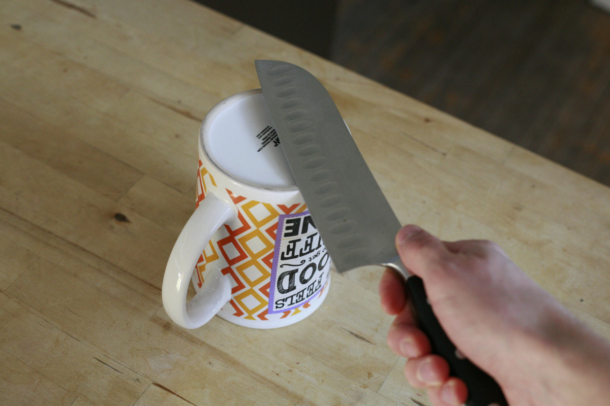 How To Sharpen A Knife With Household Objects photo