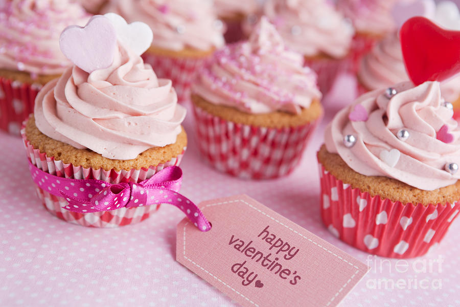 Pretty and pink Valentine's Cup Cakes photo