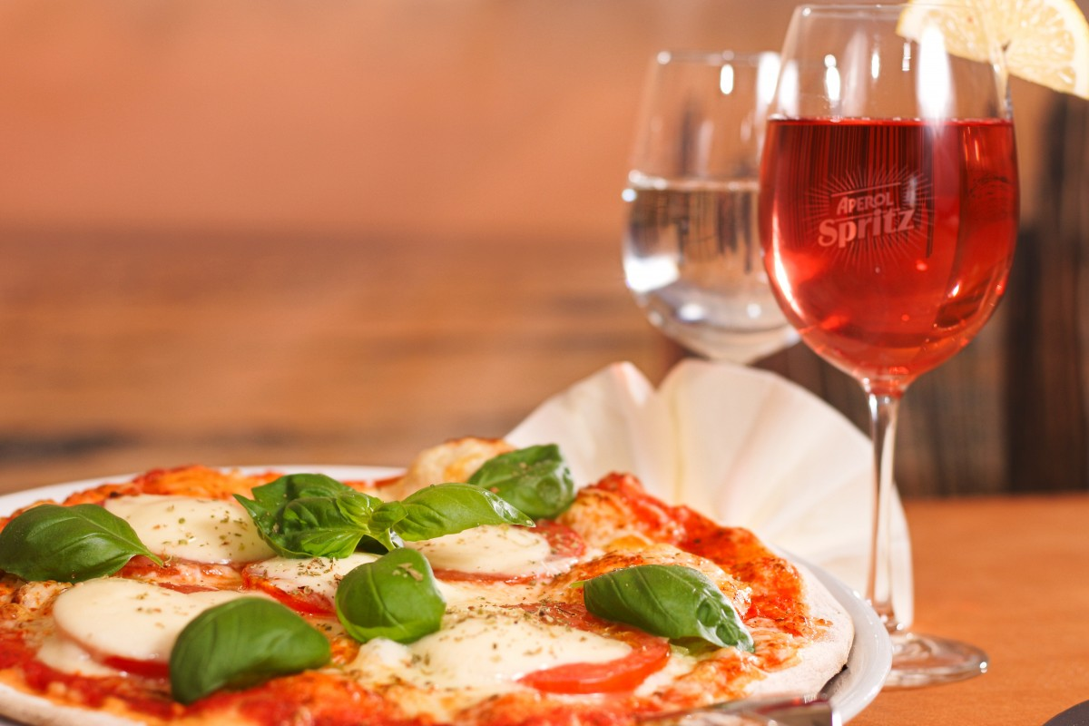 #nationalpizzaday: Wines You Can Pair With Your Favourite Pizza photo