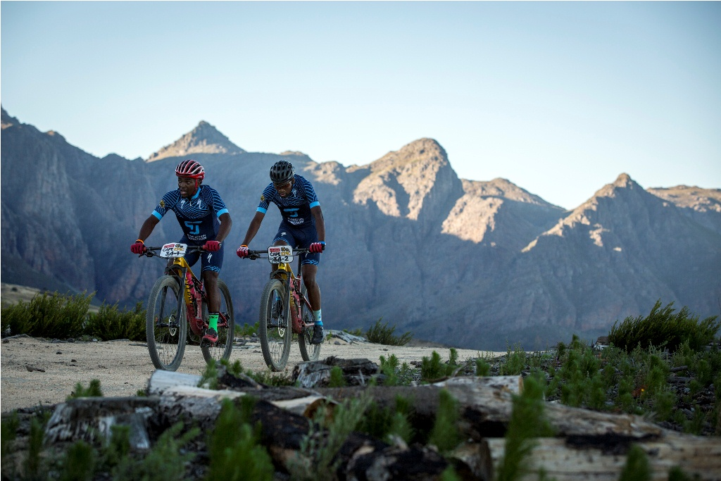 Investec-songo-specialized Reign Supreme Against The Clock photo