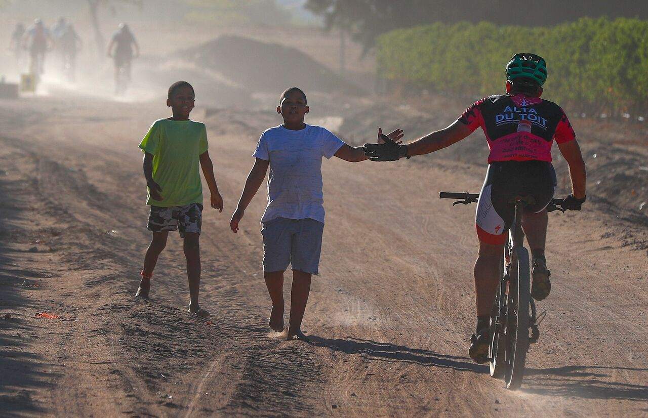 Internationals Claim Cape Town Cycle Tour Mtb Challenge Titles photo