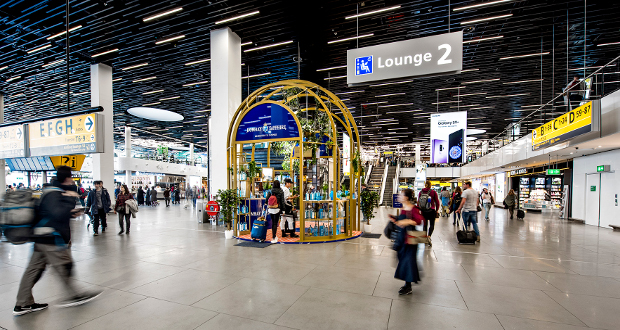 Bombay Sapphire Promotion Takes Off In Schiphol And Auckland photo